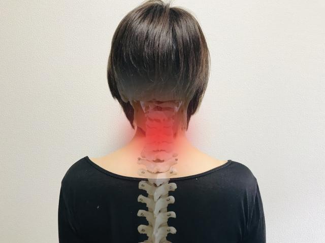 首の痛み,歪み,茨木市,新庄町整骨院,肩の痛み